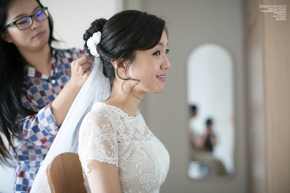 korean bride having make up