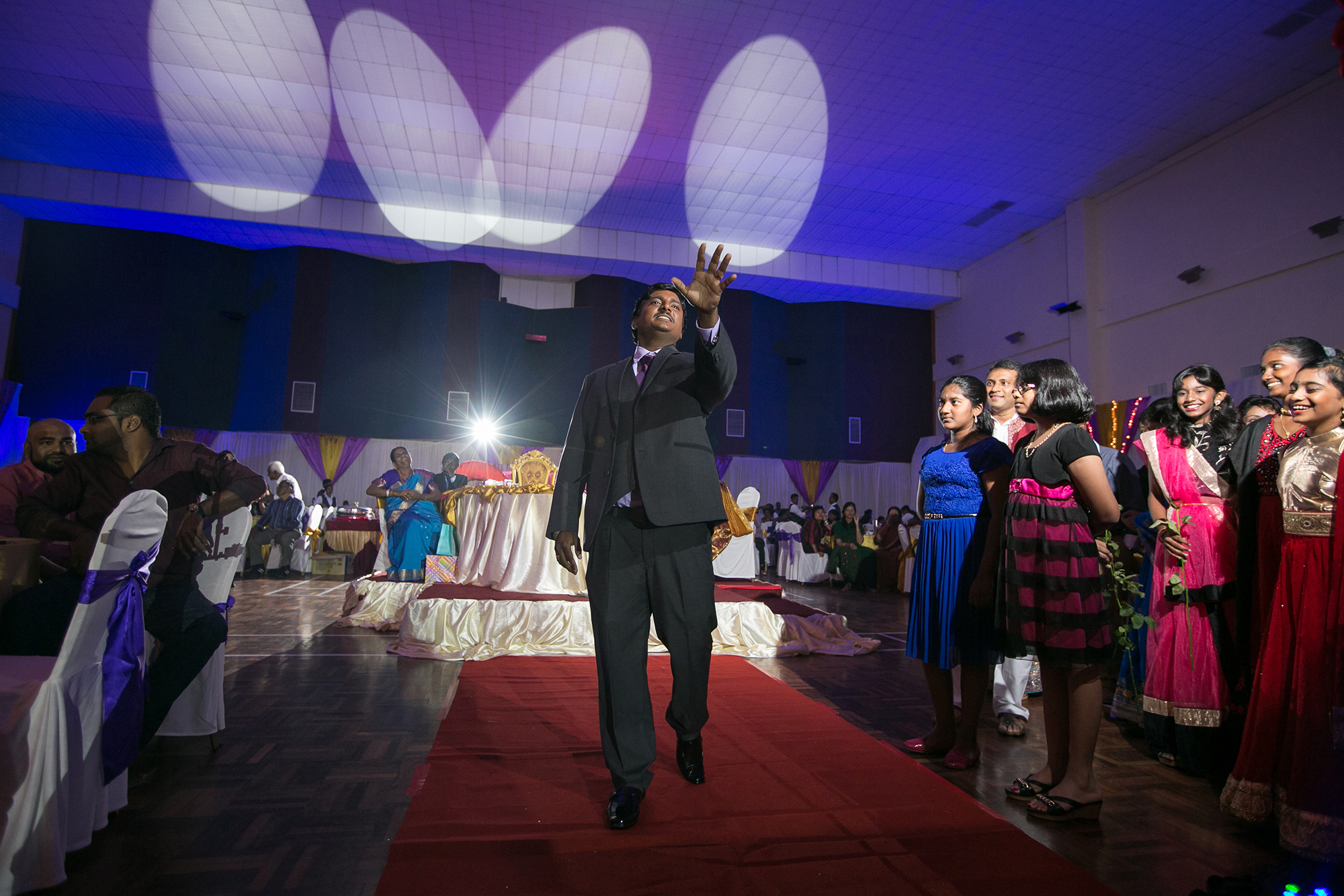 Groom performance to the bride