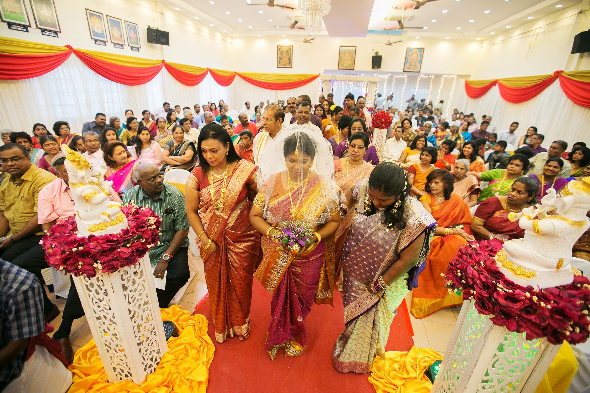 bride and bridesmaid arrival