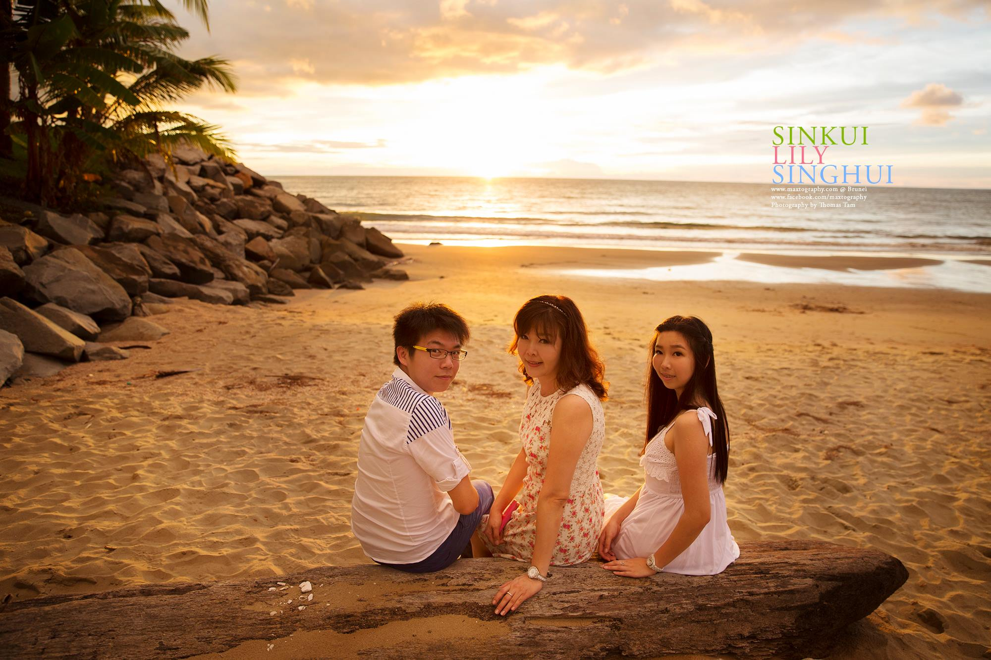 Family shoot on the beach