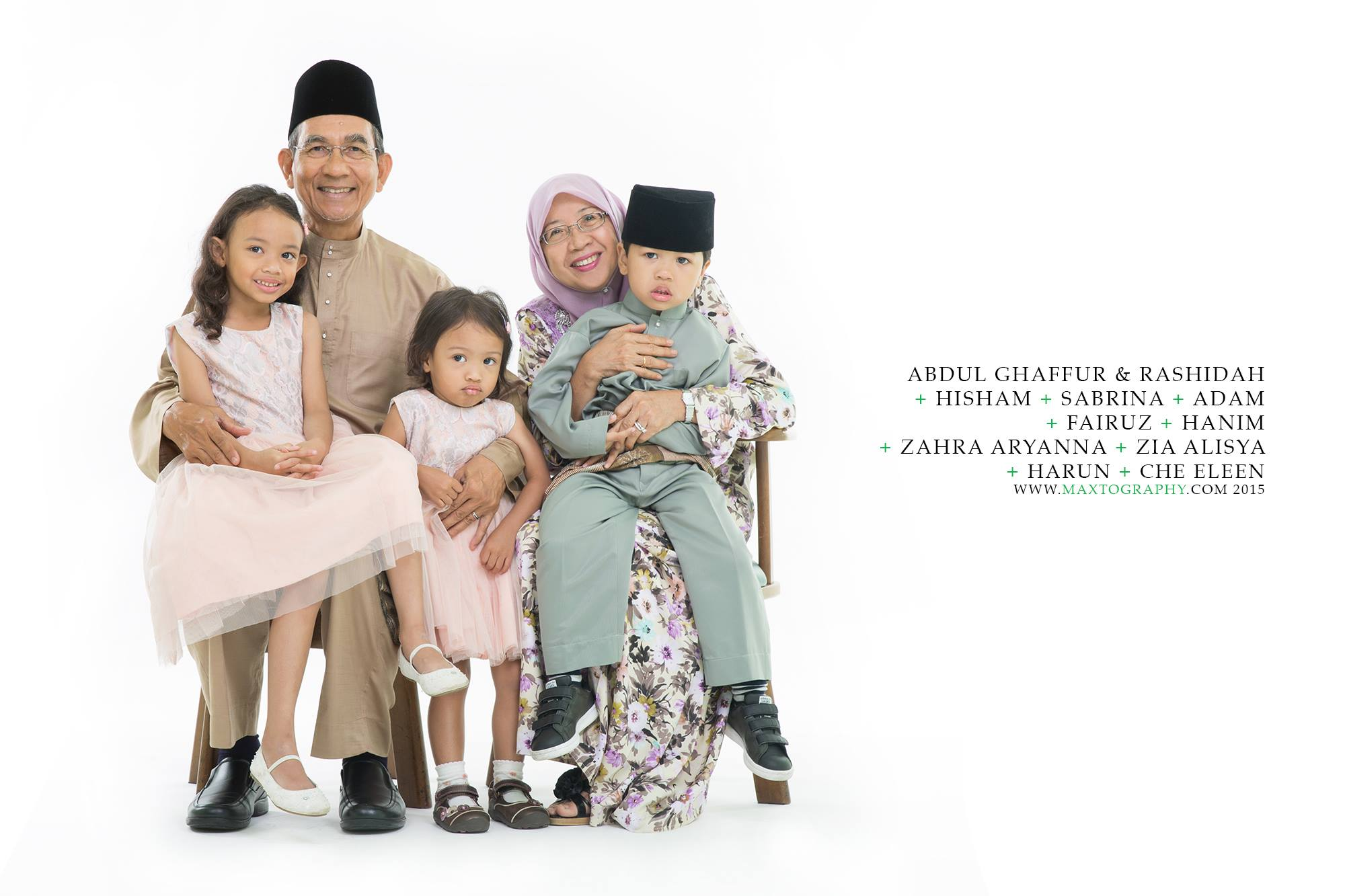 malay parents with grandchild